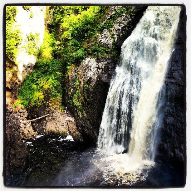 Foyers Falls