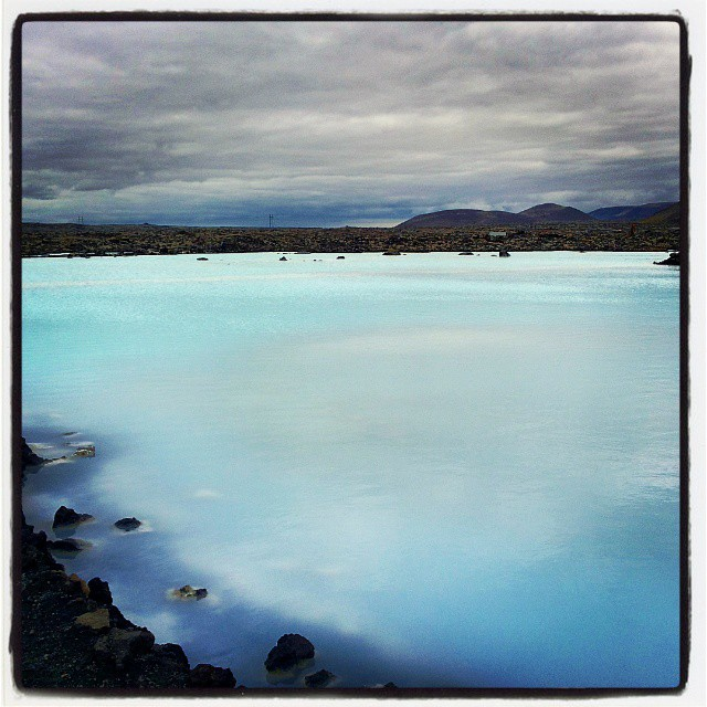 Laguna Blu, cielogrigio