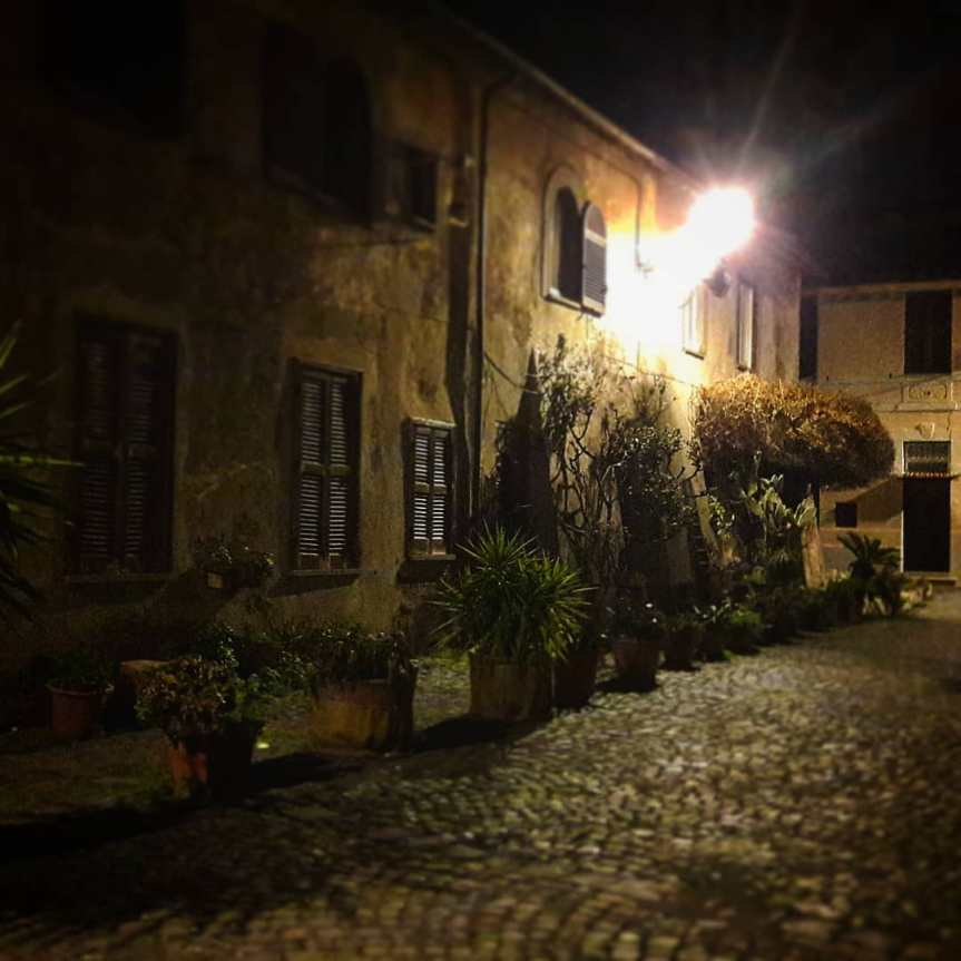 Di notti buie e stradesbagliate